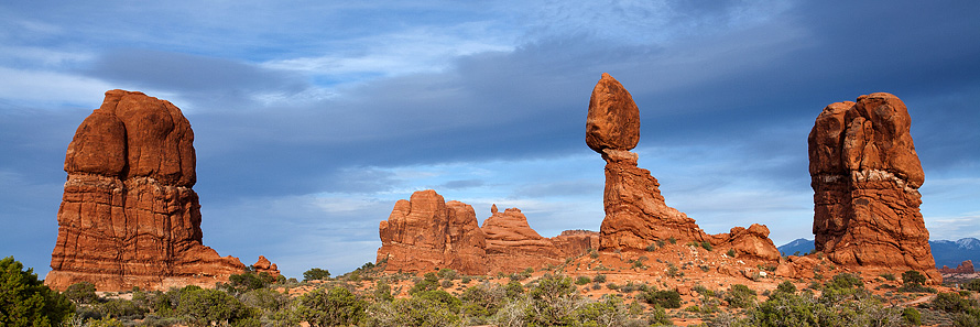 Balanced Rock, Arches National Park - Utah